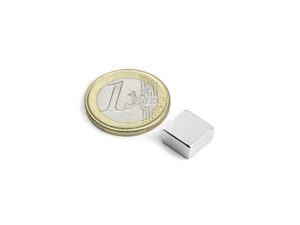 Neodymový magnet hranol 10x10x5mm, Neodym, N42, poniklovaný